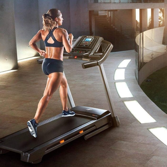 Horizon 7.0 AT Treadmill Review – Do The Features Stack Up?